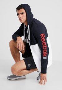 Reebok - HOODIE - veste en sweat zippée - dark blue - 1