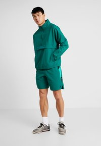 Reebok - MEET YOU THERE 1/2 ZIP JACKET - Träningsjacka - green - 1