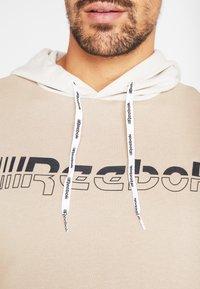 Reebok - HOODIE - Hoodie - beige - 5