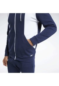 Reebok - TRAINING ESSENTIALS LINEAR LOGO TRACKSUIT - Survêtement - blue - 4