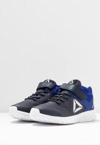 Reebok - RUSH RUNNER ALT - Chaussures de running neutres - navy/cobalt/silver - 3