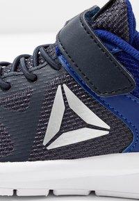Reebok - RUSH RUNNER ALT - Chaussures de running neutres - navy/cobalt/silver - 2