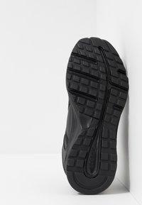Reebok - ALMOTIO 4.0 - Neutral running shoes - black - 4