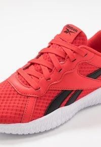 Reebok - FLEXAGON ENERGY 2.0 - Sports shoes - rad red/black - 2