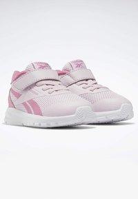 Reebok - REEBOK RUSH RUNNER 2.0 SHOES - Obuwie do biegania treningowe - pixel pink - 2