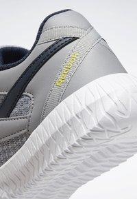 Reebok - REEBOK FLEXAGON ENERGY 2.0 SHOES - Obuwie do biegania treningowe - pure grey - 9