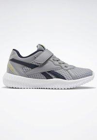 Reebok - REEBOK FLEXAGON ENERGY 2.0 SHOES - Obuwie do biegania treningowe - pure grey - 5