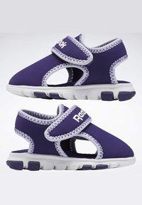 Reebok - WAVE GLIDER III SANDALS - Sandales de randonnée - purple - 2