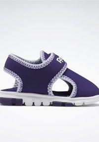 Reebok - WAVE GLIDER III SANDALS - Sandales de randonnée - purple - 5