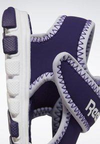 Reebok - WAVE GLIDER III SANDALS - Sandales de randonnée - purple - 9