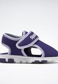 Reebok - WAVE GLIDER III SANDALS - Sandales de randonnée - purple - 11