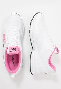 Reebok - PHEEHAN - Obuwie do biegania treningowe - white/posh pink/black - 1