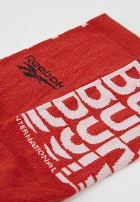 Reebok - TECH STYLE CREW SOCK - Sportovní ponožky - legacy red - 2