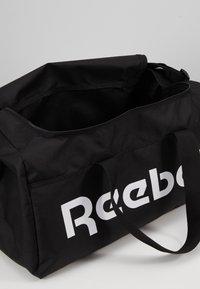 Reebok - ACT CORE S GRIP - Treningsbag - black - 5
