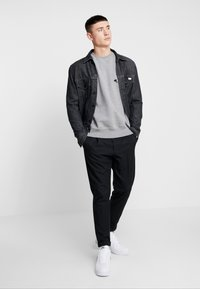 RVLT - POL - Sweatshirt - grey-mel - 1
