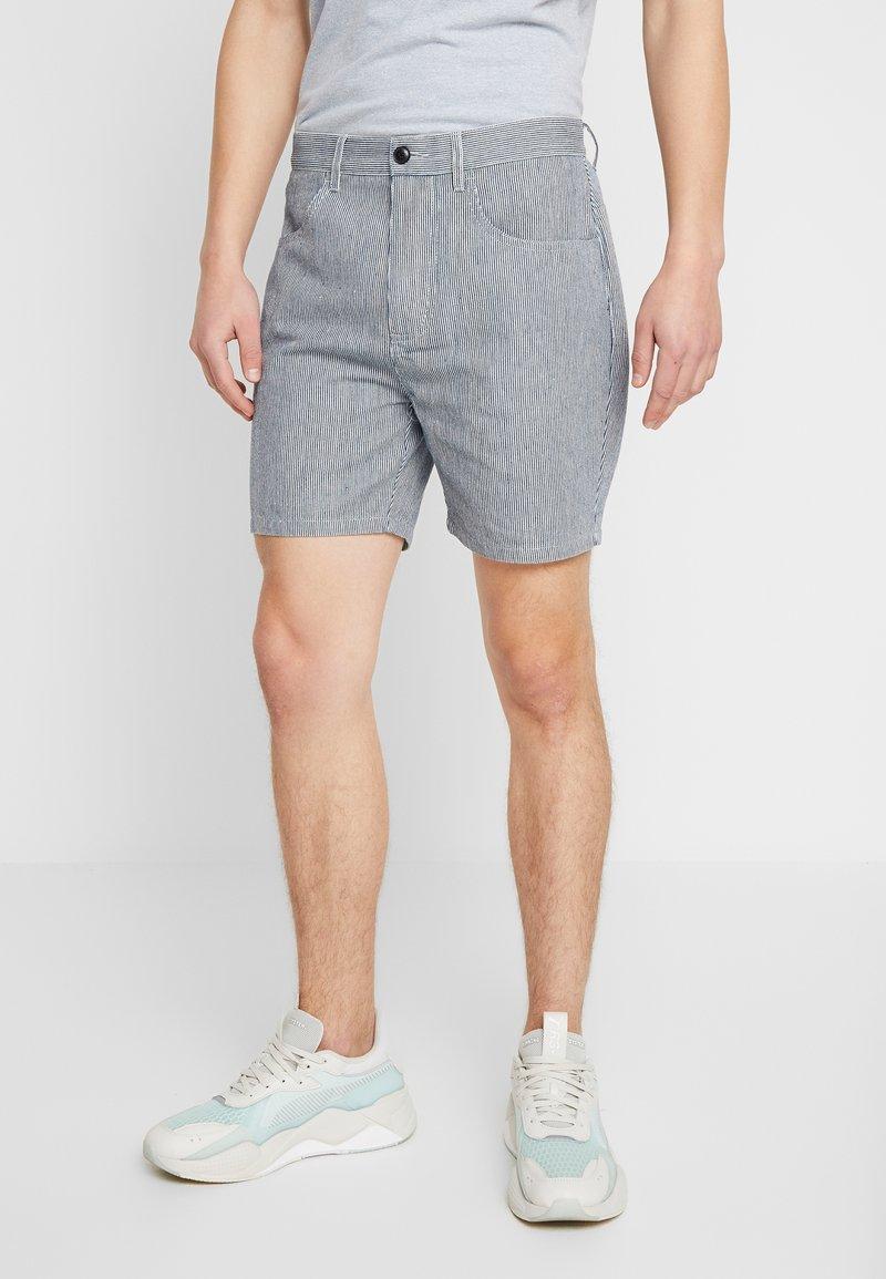 RVLT - STRIPE - Shorts - navy