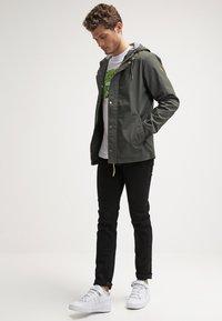RVLT - LIGHT - Summer jacket - army - 1