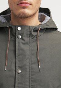 RVLT - LIGHT - Summer jacket - army - 4