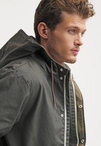 RVLT - LIGHT - Summer jacket - army - 3