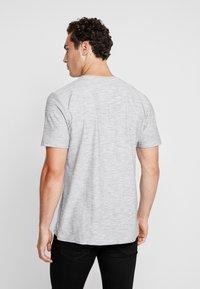 RVLT - HAN - T-shirt z nadrukiem - navy - 2