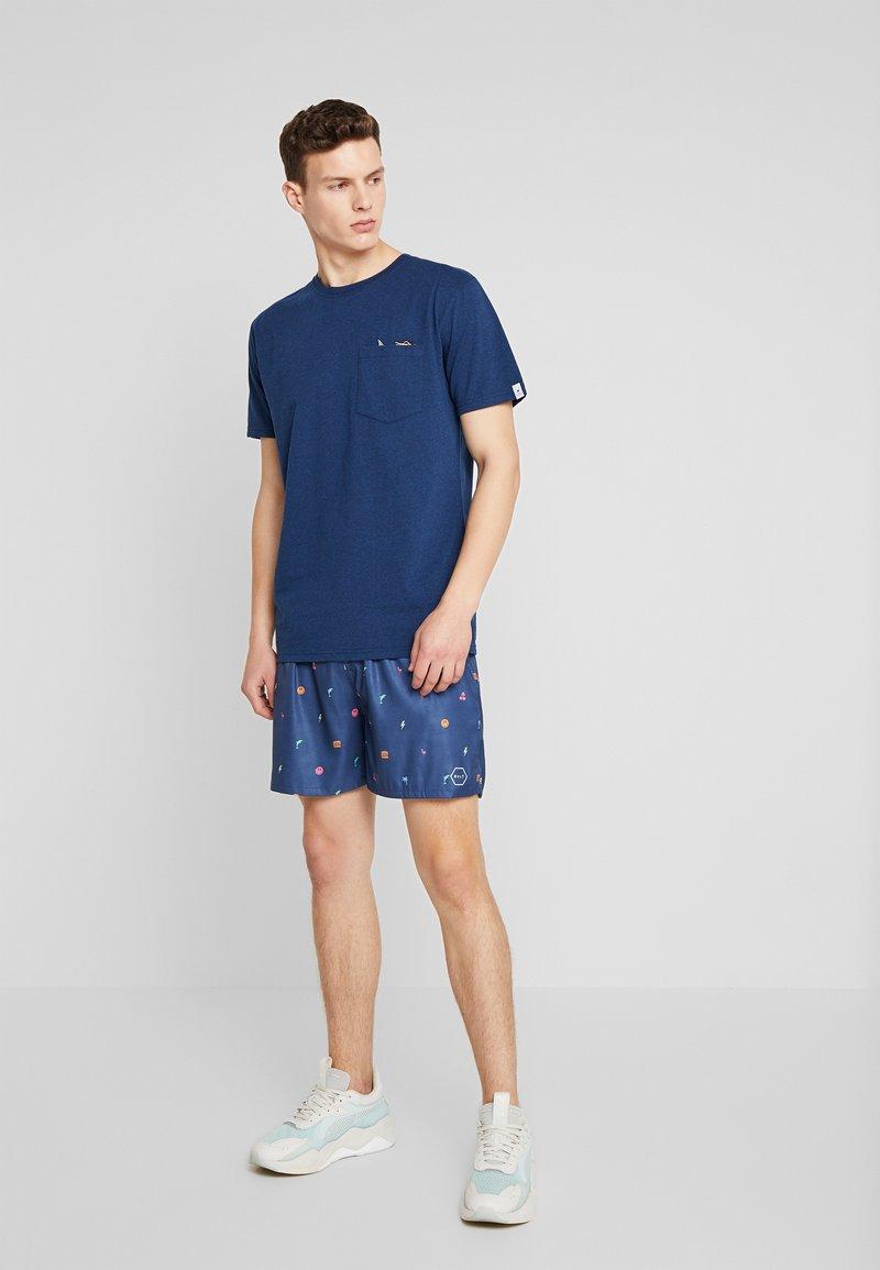 RVLT T-shirts med print - navy melange