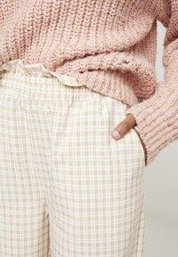 Résumé - OLLY PANT - Pantaloni - beige - 4