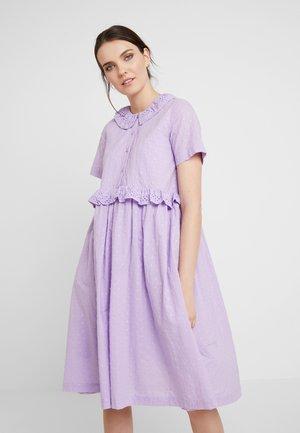 NOA DRESS - Denní šaty - lilac