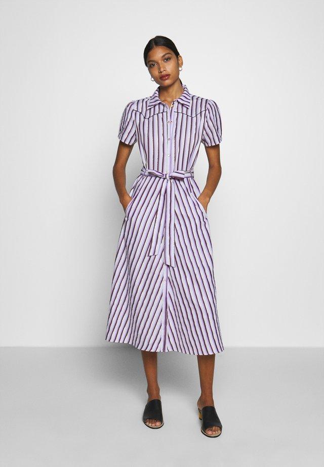 TABBY - Sukienka koszulowa - lavender