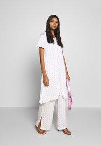 Résumé - TEDDY DRESS - Day dress - white - 1