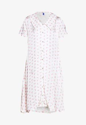 TEDDY DRESS - Vapaa-ajan mekko - white