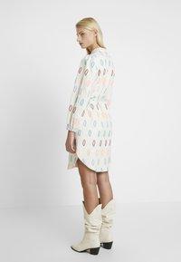 Résumé - SOLA DRESS - Shirt dress - sand - 2
