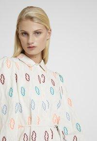 Résumé - SOLA DRESS - Shirt dress - sand - 4