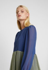 Résumé - SOPHIA DRESS - Skjortekjole - blue - 4