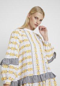 Résumé - SANDRA DRESS - Korte jurk - white - 4