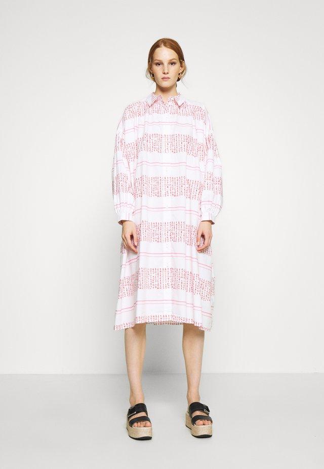 VENUS - Skjortklänning - white