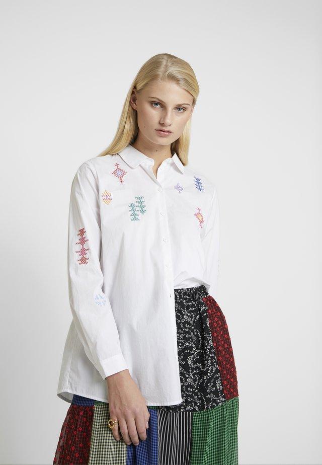 SIGRID - Hemdbluse - white