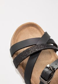 RE:DESIGNED - ESHITA - Sandaler - black - 2
