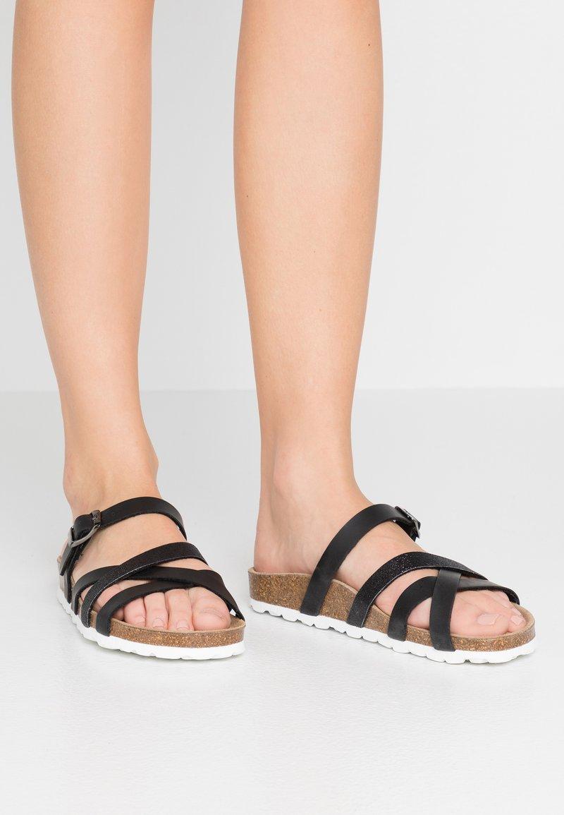 RE:DESIGNED - ESHITA - Sandaler - black