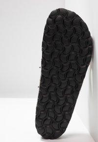 RE:DESIGNED - NALA STUDS  - Pantofle - beige - 6