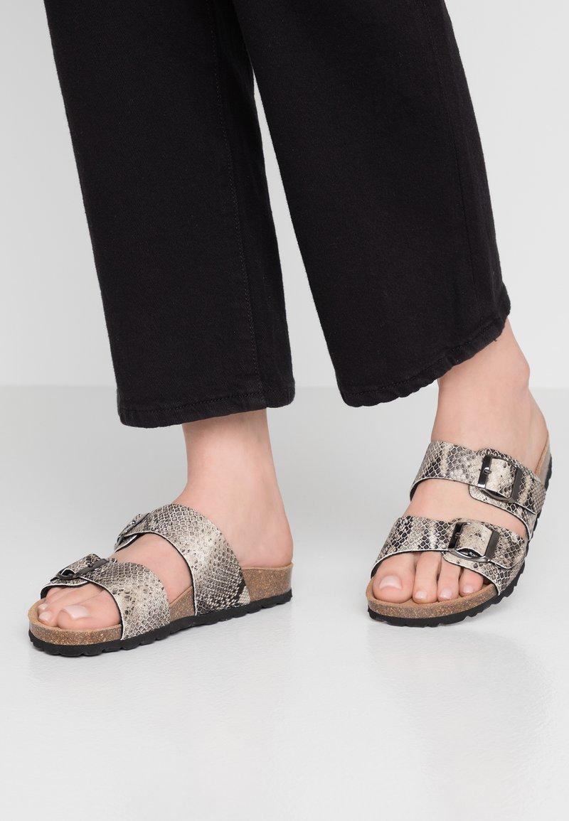 RE:DESIGNED - PALLAVI - Domácí obuv - beige