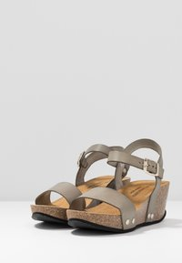 RE:DESIGNED - SABINE - Sandály na platformě - khaki - 4