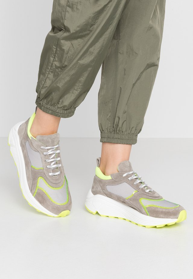 RAMONA - Trainers - neon yellow