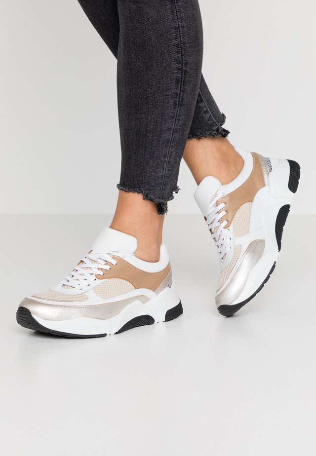 LAURY - Sneakers basse - taupe