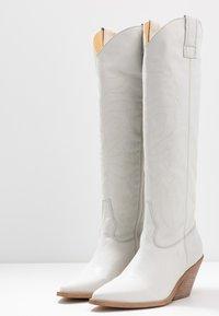 RE:DESIGNED - ROA - Cowboy/Biker boots - white - 4