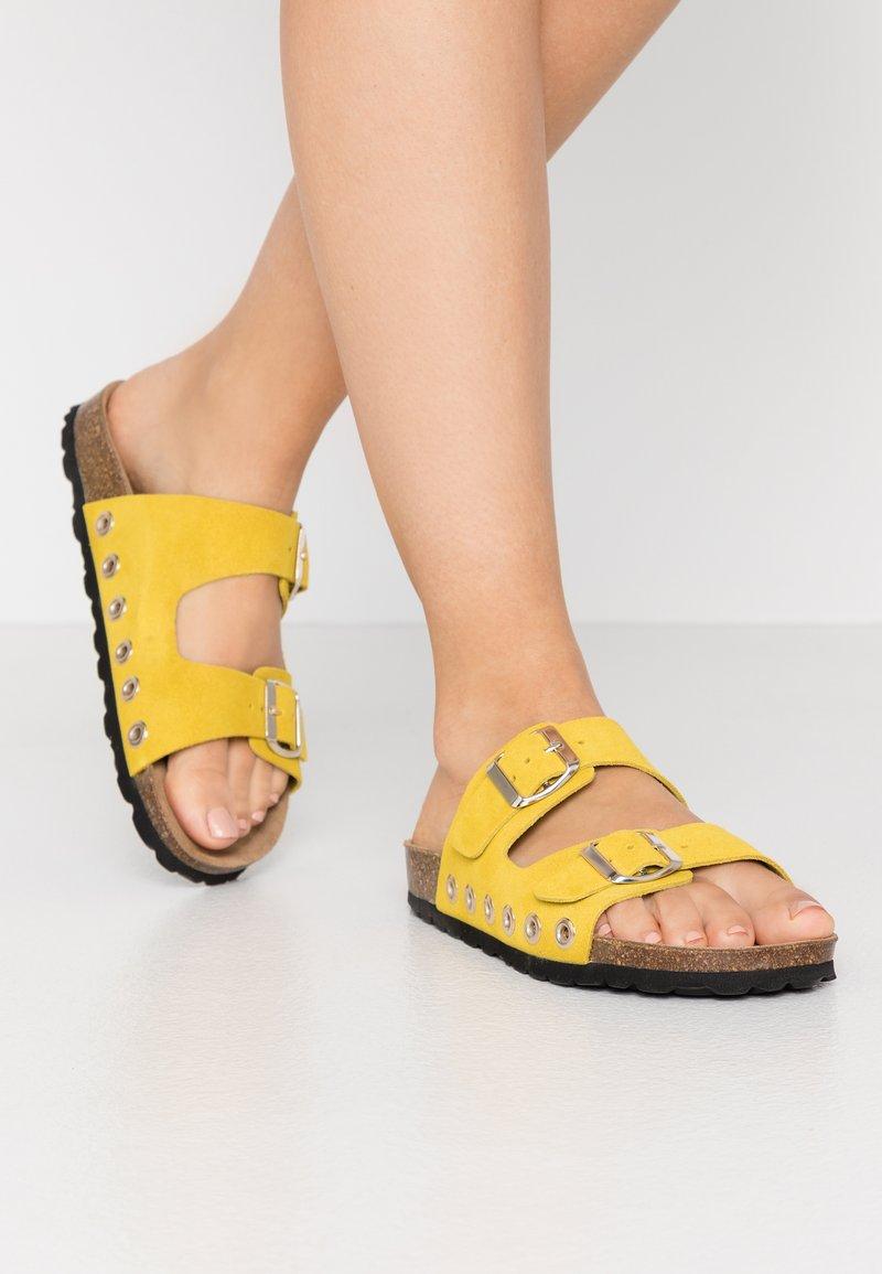 RE:DESIGNED - Domácí obuv - yellow