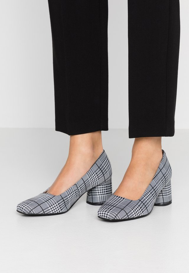 JOLIE - Classic heels - black/white