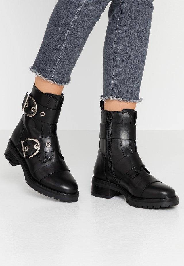 MOURA - Kovbojské/motorkářské boty - black
