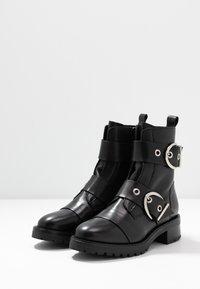 RE:DESIGNED - MOURA - Kovbojské/motorkářské boty - black - 4