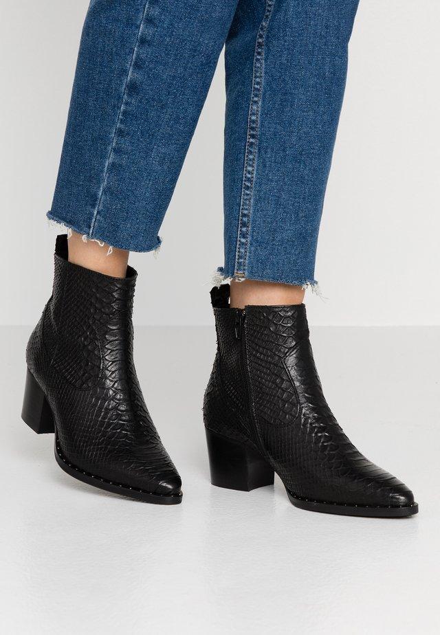 DEDRA - Kotníkové boty - black