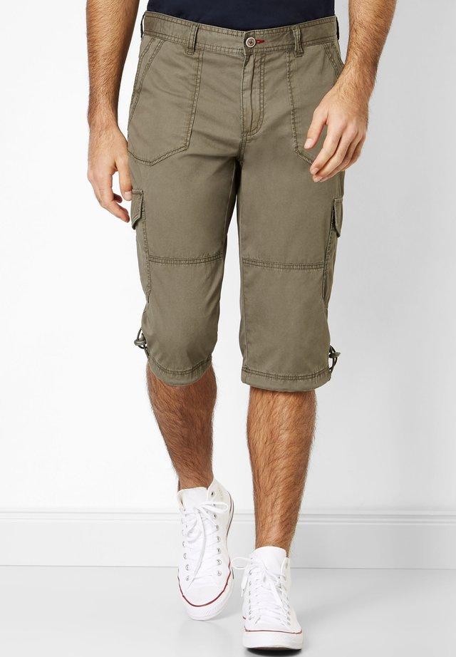 PEERS PREISAGGRESSIVE   - Shorts - khaki